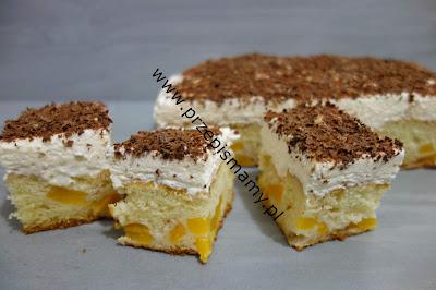 Ciasto z brzoskwiniami i pianką