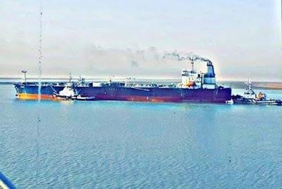 النقل تشكر وتكافئ طواقم الساحبات البحرية لمنعهم حدوث كارثة بيئية في قناة خور الزبير