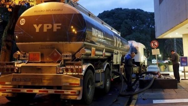 Paro petrolero argentino pone en riesgo abasto de combustibles
