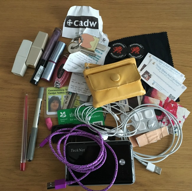 contents-of-my-handbag-laid-out-on-a-table