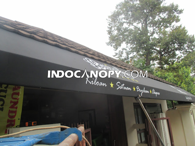 canopy kain hitam