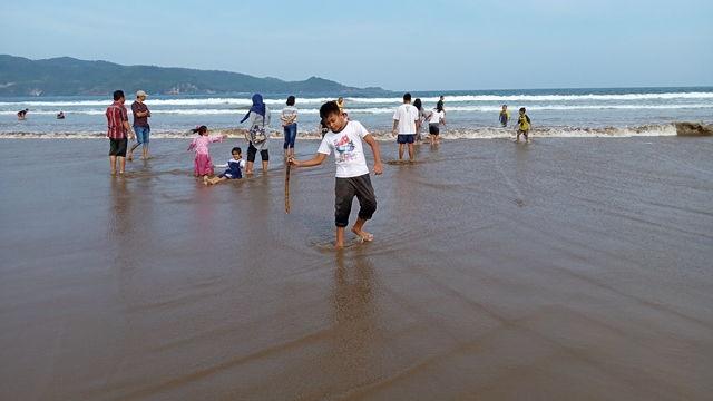 Pantai Teleng Ria