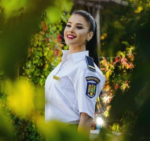 Luiza Ciuclea cea mai frumoasa politista din tara