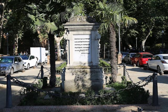 Monumento a la Raza - Vista frontal