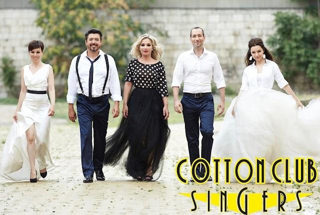 A Cotton Club Singers jubileumi koncertje hallható az Erkel Színházban