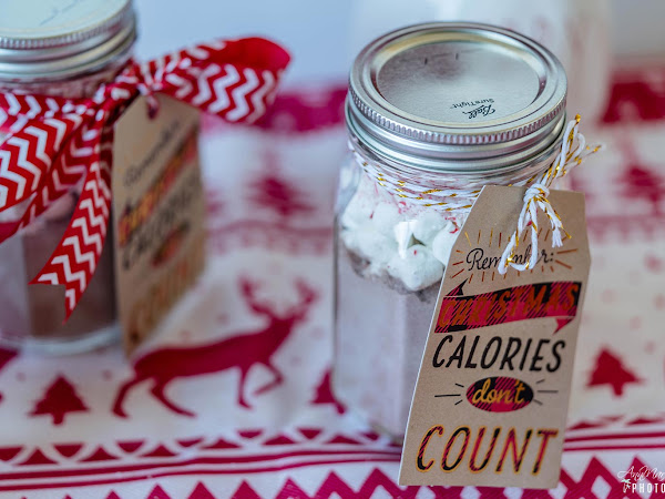 Peppermint Hot Cocoa in Mason Jar Gifts