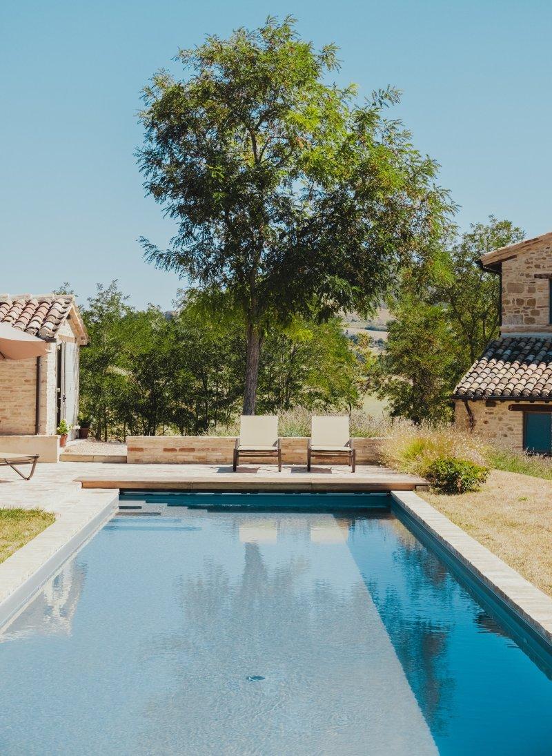 piscina in casa di campagna