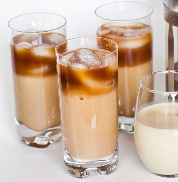 Iced Vanilla Thai Coffee #coffee #drinks