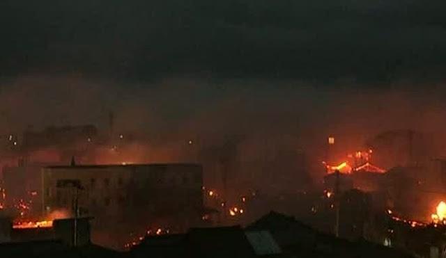 Incêndio arrasa mais de 140 casas em cidade do Japão