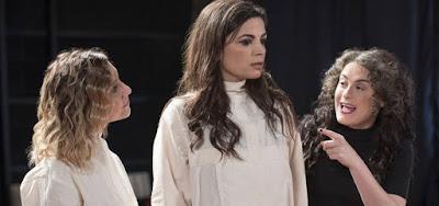 Lorena Comparato, Emanuelle Araújo e Alessandra Maestrini zoam teatro experimental em Samantha!