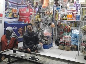 Pendapatan Turun, Pedagang Sembako dan Warung Kecil di KBB Mengeluh
