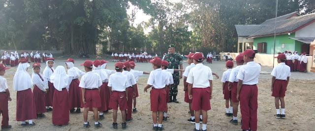 Bekali Disiplin Sejak Dini, Babinsa Terjun Ke Sekolah Dasar