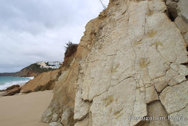 Pegadas de dinossauros no Algarve