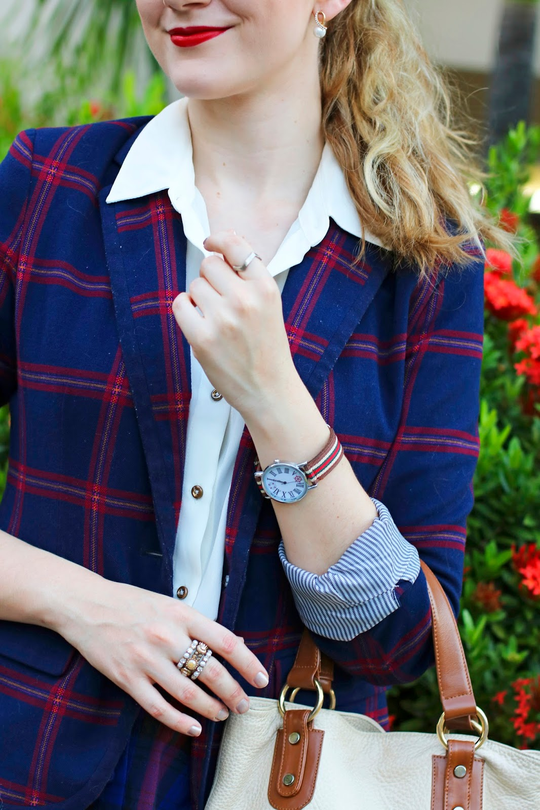 Cute and preppy plaid blazer for the Holidays!