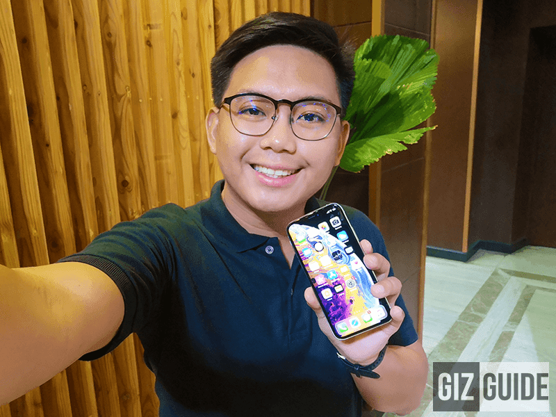 My selfie with the first iPhone XS in the Philippines