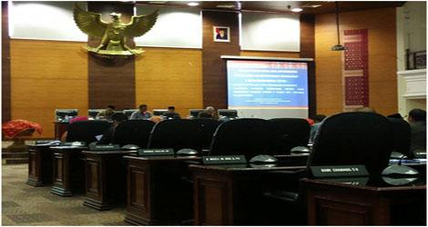 DPRD Sumbar Rampungkan Perda Nomor 4 Tahun 2011 Tentang Pajak Daerah.