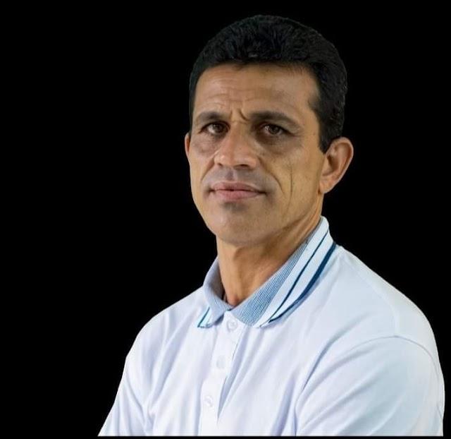 Vereador Deto de Xucuru solicita ao Secretário de Obras a execução do calçamento na rua popularmente conhecida como Rua de Zé de Acelino