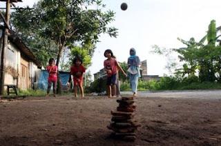 Permainan tradisional gamparan