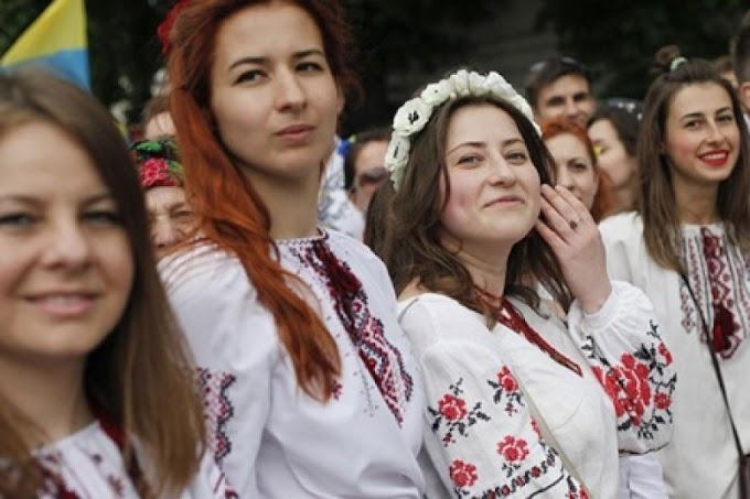 «Зачем нашим детям русский? Это отсталая страна». Свидомиты отменяют в школах изучение «мовы оккупанта»