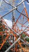Urgente: Homem está agora encima da torre telefônica / internet em Uruçui