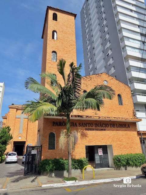 Vista ampla da Paróquia Santo Inácio de Loiola - Vila Mariana - São Paulo