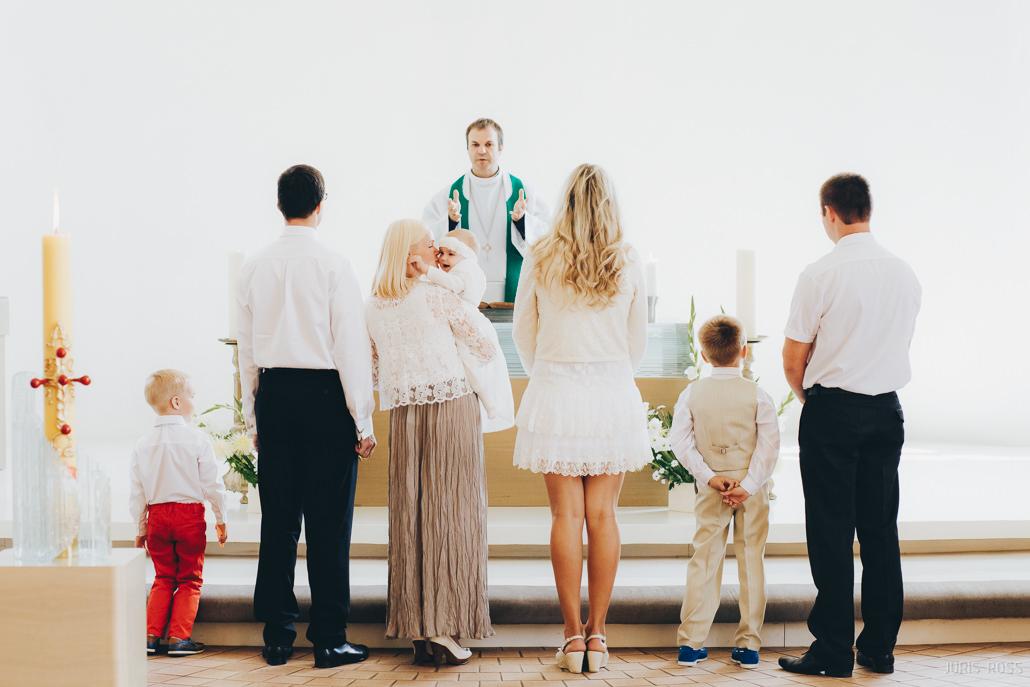 kristības Baltezera baznīcā