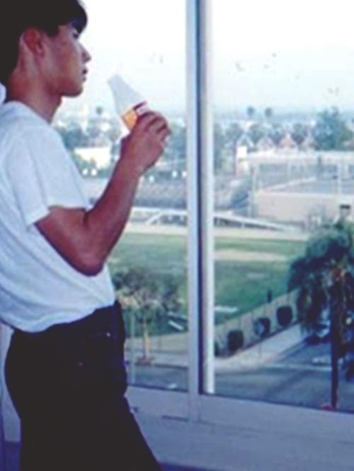 18~19歳の頃 ヘインズの白Tにリーバイスの501が定番でした
