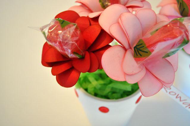 http://1.bp.blogspot.com/-vLDZN7bnYWc/TVaqANxZYhI/AAAAAAAAARY/uDlOOJRW9-A/s1600/valentine+pots+5.jpg