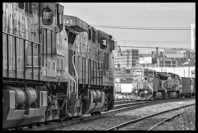 UP 6445 and UP 6589, meeting on the Jefferson City Subdivision at St. Louis.