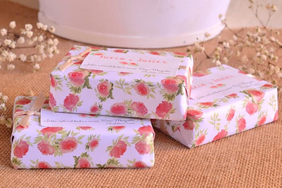 jabones rosa mosqueta personalizados detalles de boda