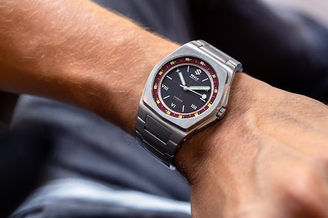 Seals Model A.5 wrist