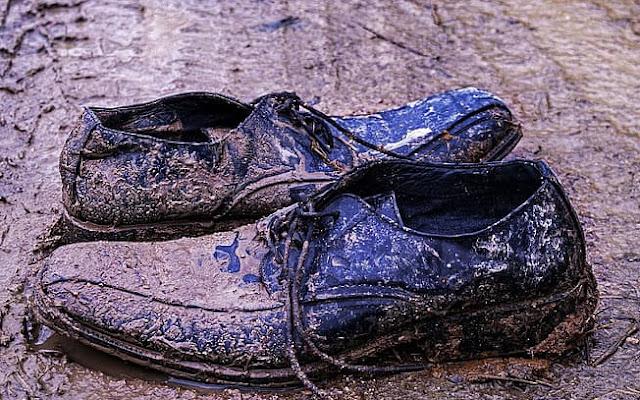 قصة مفيدة عن البخل حذاء الطنبوري
