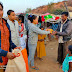 विंग्स द्वारा मलिन बस्तियों में कपड़ों का वितरण