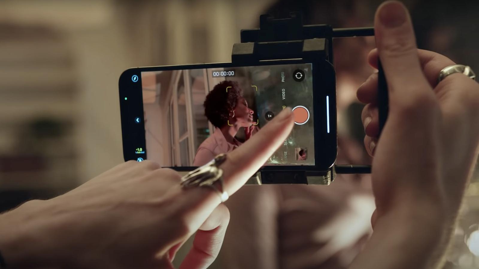 Guarda le nuove storie cinematografiche di Apple con iPhone 13