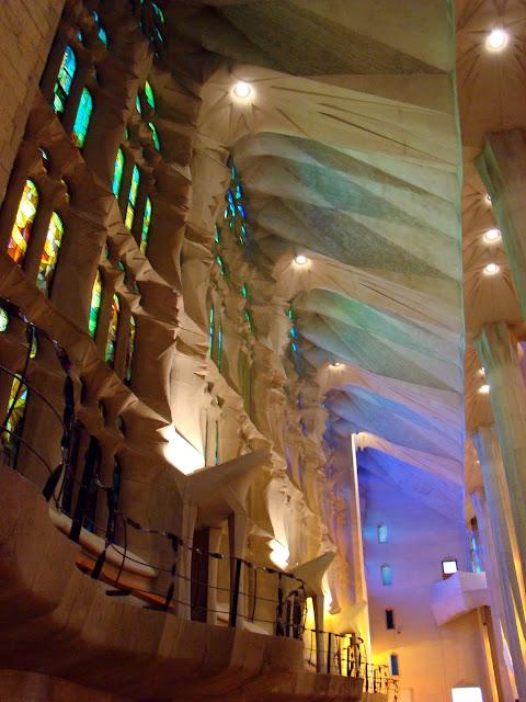Niesamowite kształty kościoła