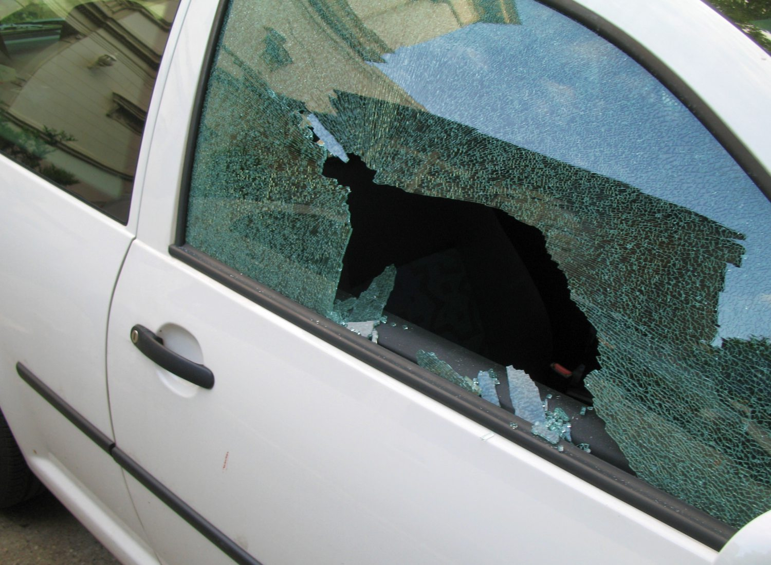 Solana Windscreens Offers Affordable Windscreen Repair Services