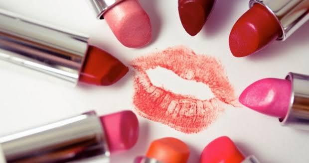 Warna Lipstik Natural Berdasarkan Tone Kulit