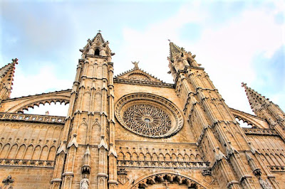 Catedral de Palma con el rosetón más grande del mundo