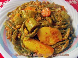 Φασολάκια κοκκινιστά με κολοκύθια και πατάτες - από «Τα φαγητά της γιαγιάς»