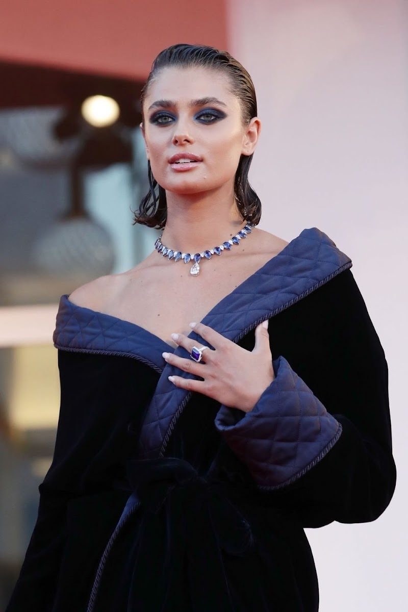 Taylor Hill Clicks at Amants Premiere at 2020 Venice Film Festival 3 Sep -2020