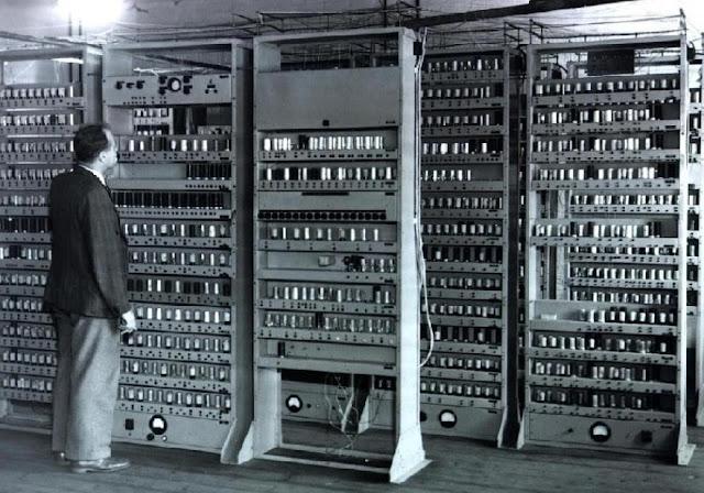 Materi evolusi dan kinerja komputer