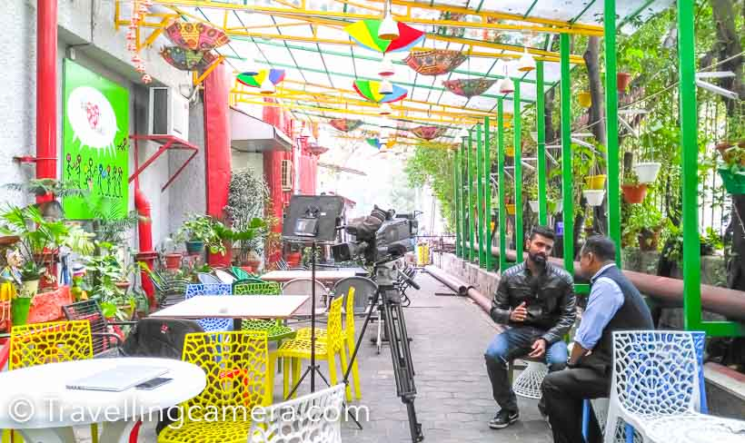 It was an early morning shoot at NDTV office and done by two brilliant folks - Cyrus, co-producer of CellGURU and Dave Konvar on camera. Both of them are awesome, as we didn't spend much time to shoot. They had great shooting strategy in mind and there were hardly any retakes. Above photographs shows the cafeteria of NDTV office, which is full of colors.