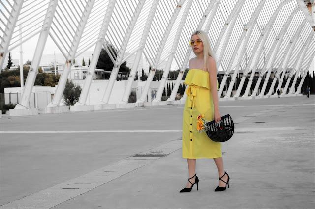 συνδυασμοί κίτρινο φόρεμα