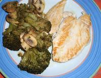 pechugas con brócoli y champiñones