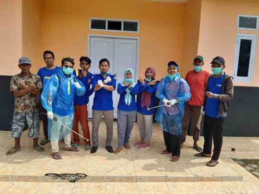 Karang Taruna Desa Karangharja Semprotan Desinfektan Guna Pencegahan Virus Corona