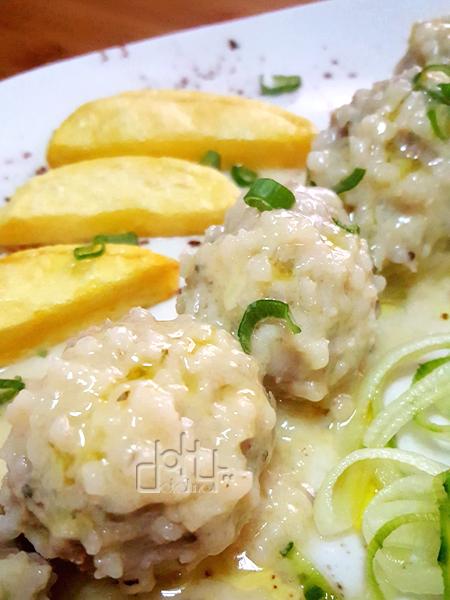 Receta de albódigas  de carne con arroz, Youvarlákia augolémono