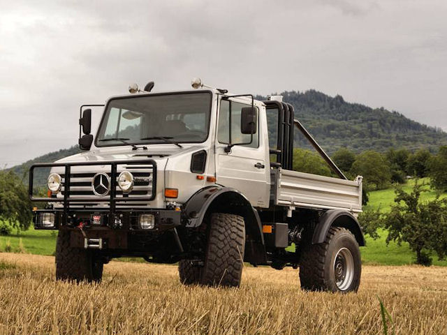 Arnie 39 s 1977 mercedes benz unimog costs 3 times an amg gt for Mercedes benz unimog for sale usa