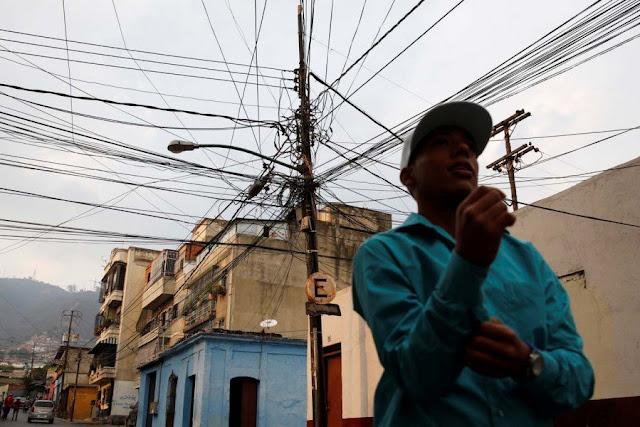 El desmoronamiento del sistema eléctrico en Venezuela (documento)