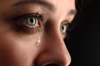 Photo of فوائد البكاء .. باحث يعدد مزايا إذراف الدموع على الصحة النفسية