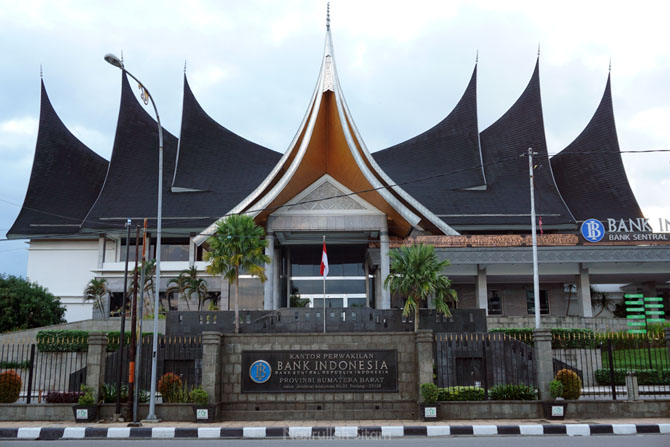 Bank Indonesia Sumatera Barat kala pagi
